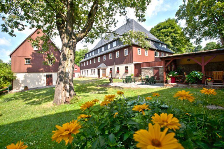 Ferienwohnung in Seiffen: Verlegerhaus heute, Hofansicht des denkmalgeschützten 3-Seiten-Hofes