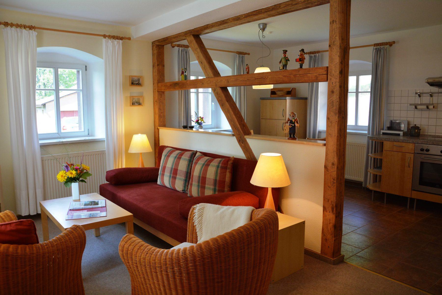 Ferienwohnung im Velegerhaus Seiffen Kategorie N5c Detail Wohnzimmer
