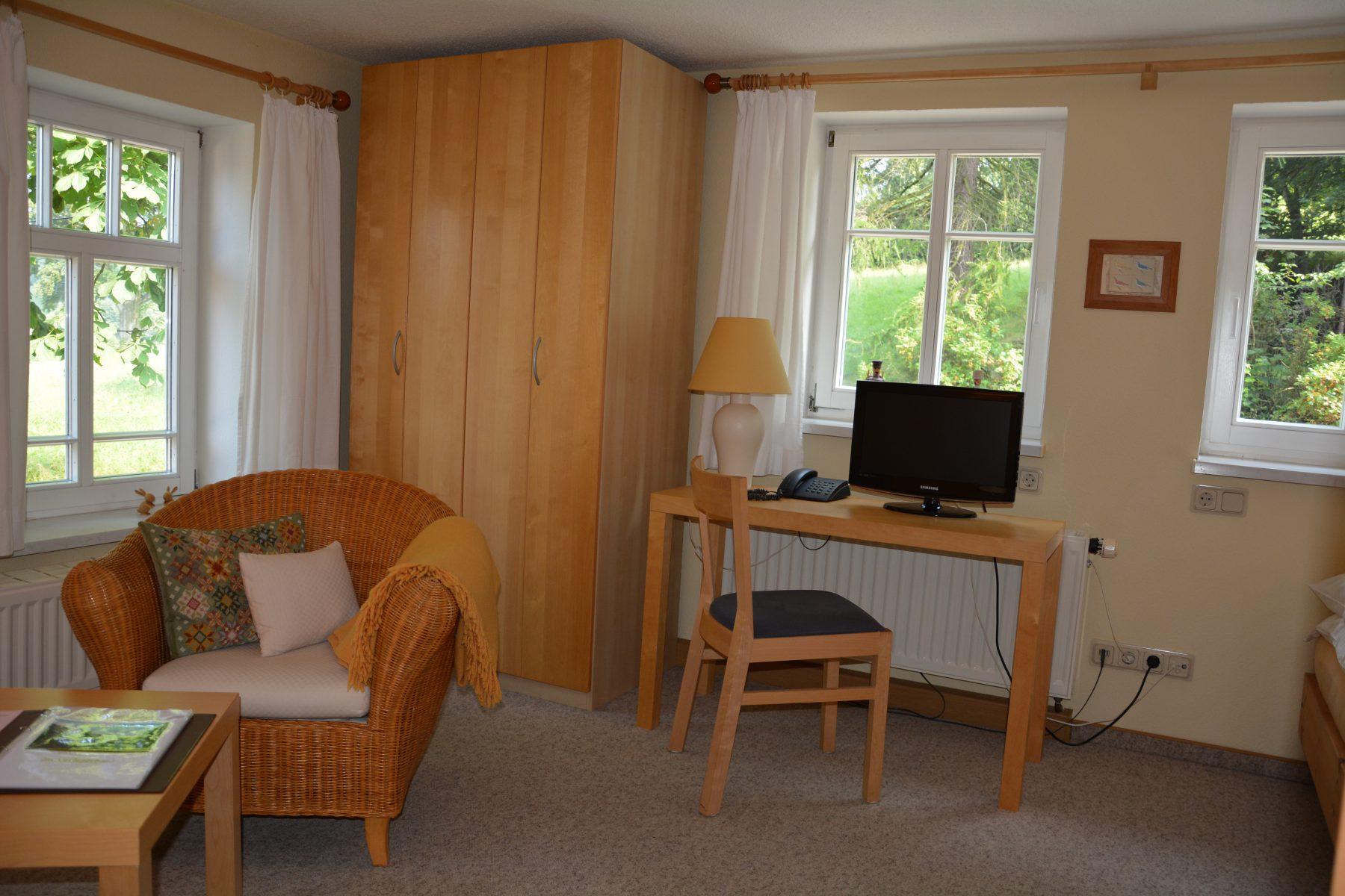 Ferienwohnung im Verlegerhaus Seiffen Kategorie N3a Detail Wohnzimmer