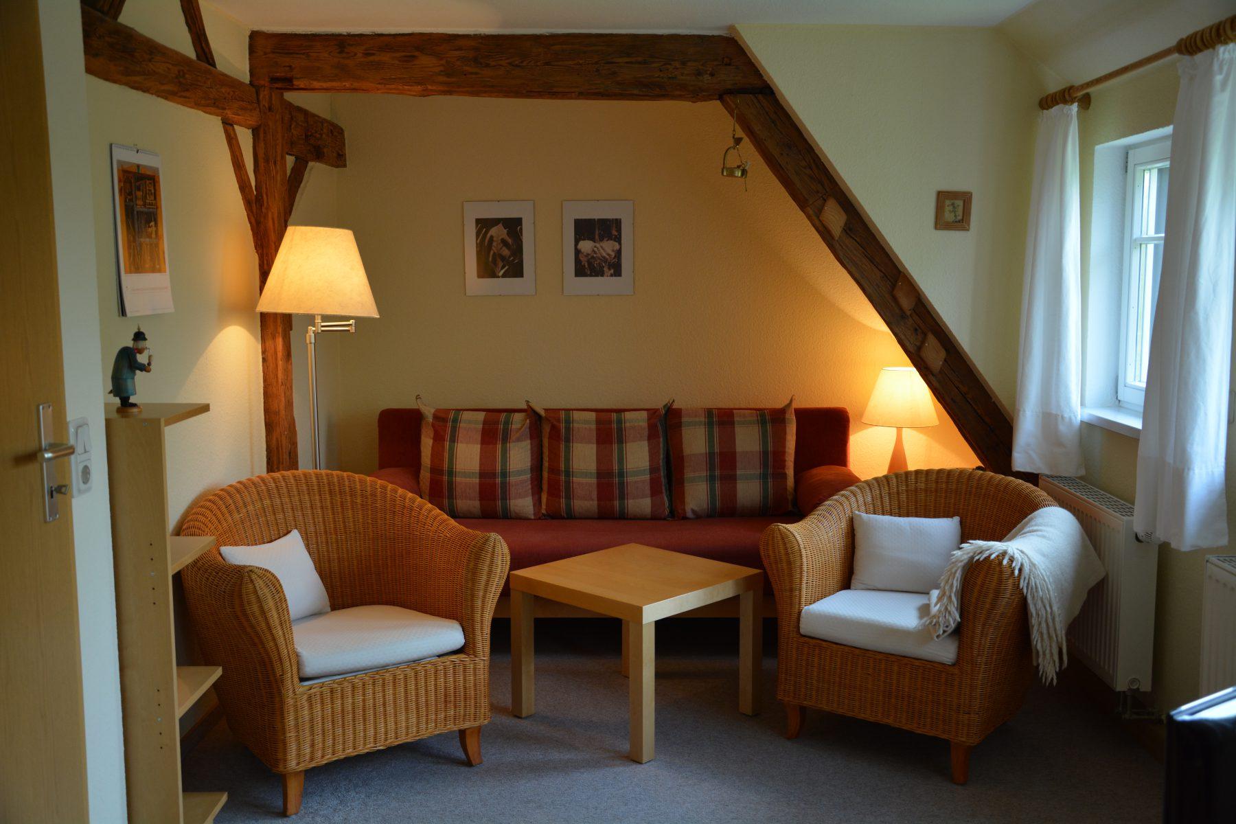 Ferienwohnung im Verlegerhaus Seiffen Kategorie N2b Wohnzimmer