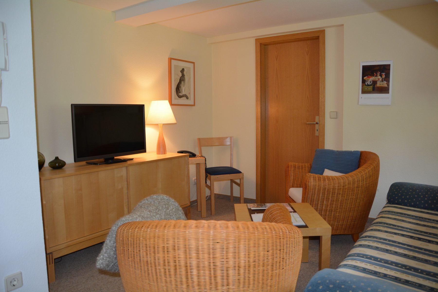 Ferienwohnung im Verlegerhaus Seiffen Kategorie N2a Detail Wohnzimmer