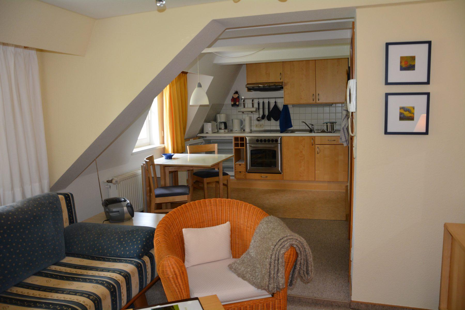 Ferienwohnung im Verlegerhaus Seiffen Kategorie N2a Detail Wohnzimmer Küche