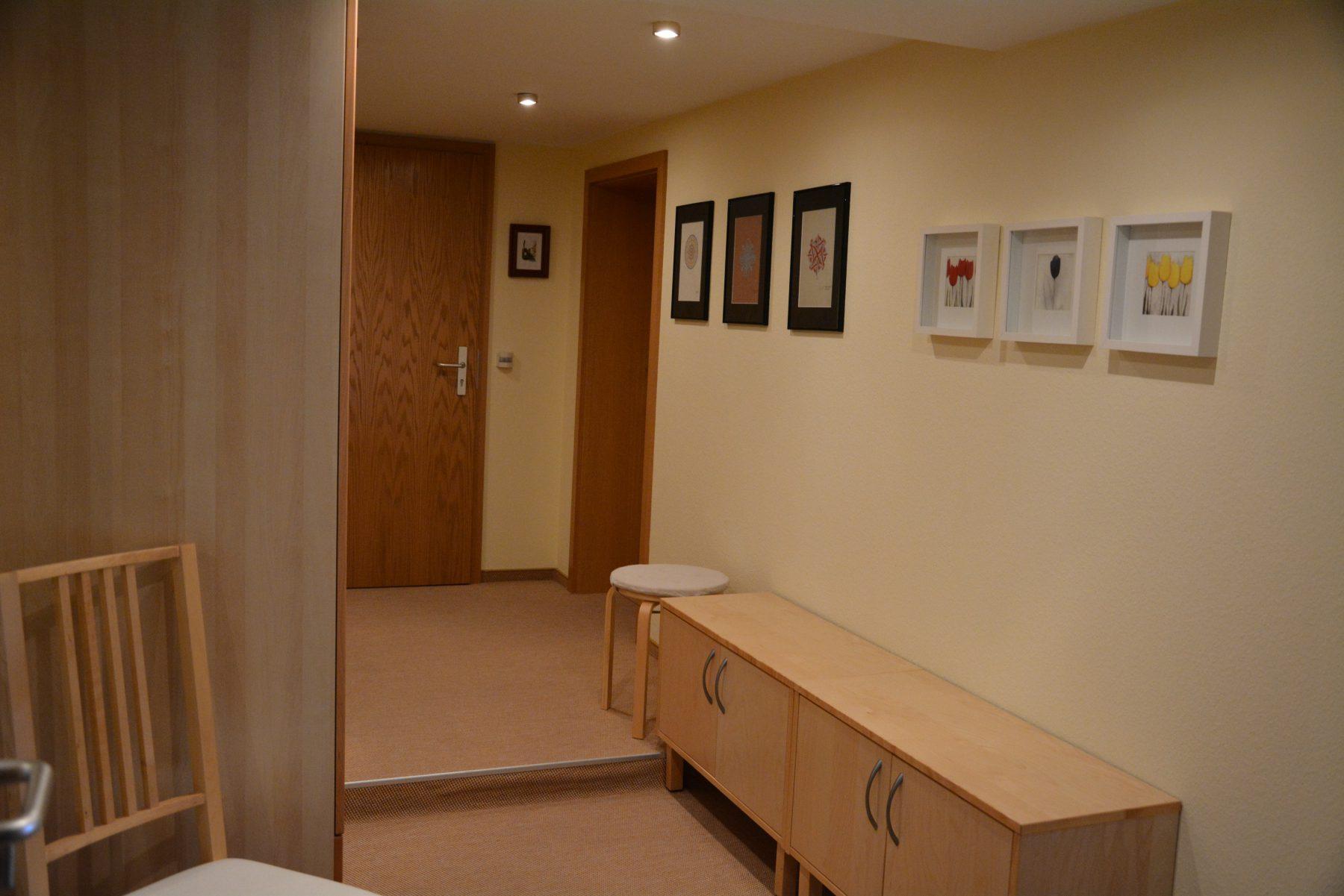 Ferienwohnung im Verlegerhaus Seiffen Kategorie N4 Detail Korridor