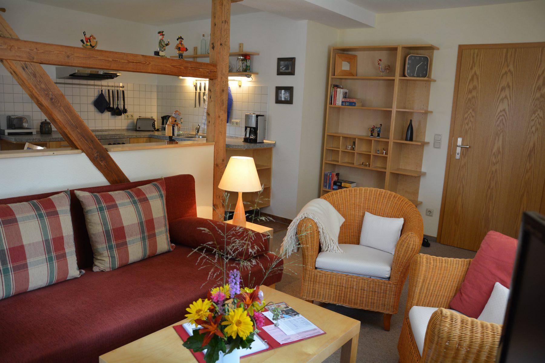 Ferienwohnung imVerlegerhaus Seiffen Kategorie S5***** Detail Wohnzimmer/Küche